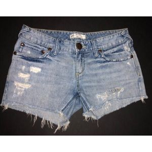 Free People distressed jean shorts, Sz. 27